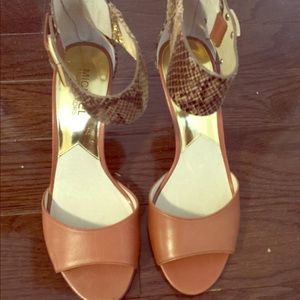 Nwt Michael Kors high heels shoes, size 7.5